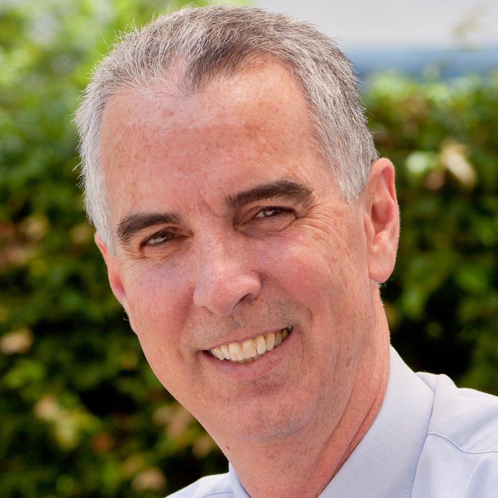 Bob Akins